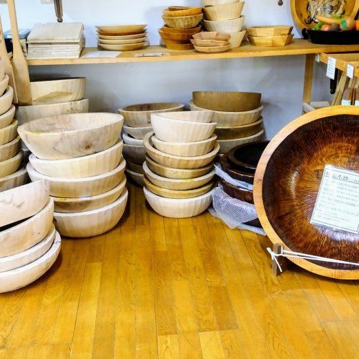 たくさん並んだ秋山木鉢